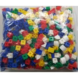 Lot de 680 cubes et prismes à connecter